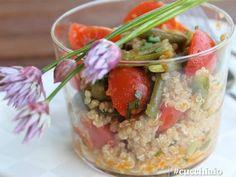 Quinoa datterini e fagiolini con fiori di cipollina