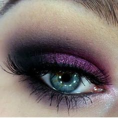 Trendy eye makeup purple make up 33 ideas - Holographic, duochrome, and trifoil Makeup and Nails - Pretty Makeup, Love Makeup, Makeup Tips, Makeup Looks, Hair Makeup, Makeup Geek, All Things Beauty, Beauty Make Up, Mascara