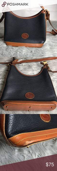 ✨VINTAGE DOONEY & BOURKE✨ Vintage DOONEY & BOURKE HANDBAG   PRE-owned wear inside of bag and on bottom corners of bag Dooney & Bourke Bags Crossbody Bags