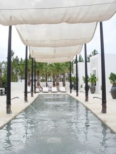 This Is The Sort Of Pool Set Up I Need Oh Not The Lovely Water Fountains But The Posts With The Shade Cloth Sails
