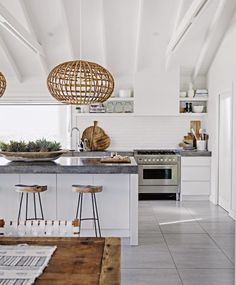 You have got a kitchen lighting ideas, we've got ideas to make it better - including tips, pictures, and storage solutions. Get design inspiration from these amazing kitchen lighting ideas. Küchen Design, Home Design, Design Ideas, Design Layouts, Milan Design, Design Concepts, Design Projects, Modern Design, Home Interior