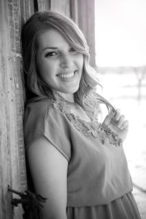 Jessi Rey | ACU Senior Pictures | Two Birds One Stone Wedding