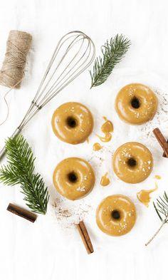Donitsit uunissa | Maku Delicious Desserts, Dessert Recipes, Pineapple, Cookies, Baking, Fruit, Christmas, Food, Buns