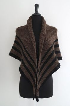 Outlander Inspired Claire's Wrap Stole Pure Wool Shawl in Dark Brown Black Color Season 5 Outlander Knitting Patterns, Knitting Patterns Free, Knit Patterns, Hand Knitting, Diana Gabaldon, Triangle Scarf, Knitted Shawls, Color Negra, Beige