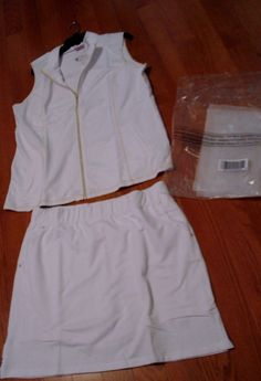 NWT  Size Large Quacker Factory Set French Terry Zip Front Vest White &  SKORT  #QuackerFactory
