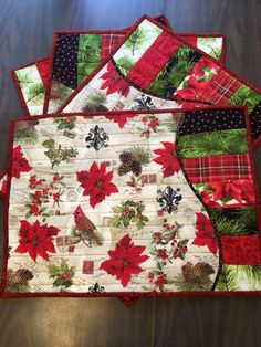 Christmas Quilted Wave Table Runner and Placemats Set Christmas Quilting Projects, Christmas Sewing, Christmas Crafts, Christmas Decorations, Christmas Trees, Purple Christmas, Coastal Christmas, Table Decorations, Xmas