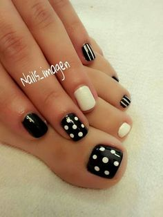 Pedicure designs toenails unique 36 New ideas Pretty Toe Nails, Cute Toe Nails, Super Cute Nails, Cute Nail Art, Cute Acrylic Nails, Fancy Nails, Gorgeous Nails, Trendy Nails, Pedicure Designs