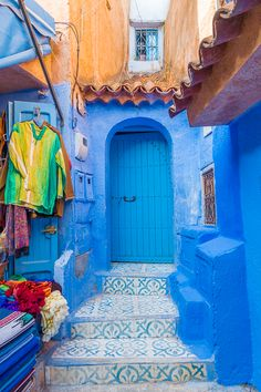 Chefchaouen: The famous blue city of Morocco! Also known as the Blue Pearl. Here's everything you need to know about Chefchaouen. how to get there, where the famous blue streets are, where to stay, and what to do! Morocco Travel, Africa Travel, Casablanca, Travel Goals, Travel Tips, Travel Hacks, Travel Destinations, Blue City Morocco, Beste Hotels