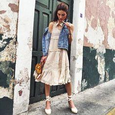 Se fiel a TU ESENCIA amate valorate se honesta con tus deseos porque no hay cosa más bella que ser uno mismo . Feliz sábado !!! #yesmotivacion #imagenyestilo #asesoriadeimagen #personalshopper #inspiration #imageconsultant #streetstyle #consultoriadeimagen #stylewoman #consultingstyle #fashionstylist #dress #tendencias #fashion #lookdeinspiracion #love  #saturdaylook #estilopersonal #estumomento #amate #valorate #empoderada #empodérate #atrévete #creatusellopersonal #imagenpersonal