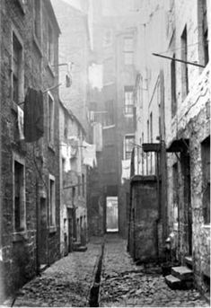 Scottish Victorian street, from Scotland's History Uncovered - Images of Victorian Scotland. Victorian History, Victorian Street, Victorian Life, Victorian London, Victorian Photos, Victorian Houses, Old Pictures, Old Photos, Scotland History