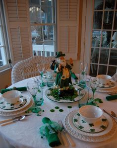 Tablescape for St. Patrick's Day!