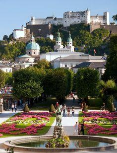 Salzburg, Austria Amazing Buildings, Beautiful Places To Visit, Trending Topics, Places Ive Been, Dolores Park, Castle, Tumblr, Explore, Mansions
