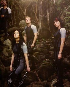 New Still from The Hunger Games: Catching Fire - Jennifer Lawrence as Katniss Everdeen. The Hunger Games, Hunger Games Movies, Hunger Games Fandom, Hunger Games Catching Fire, Hunger Games Trilogy, Katniss Everdeen, Katniss And Peeta, Jennifer Lawrence, Suzanne Collins