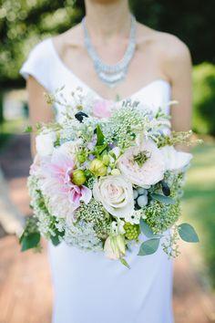 gorgeous dahlia, rose, and berry bouquet | Julia Wade #wedding