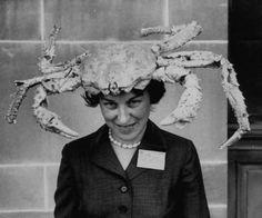 Lady Wearing Giant Crab Hat x Photo Collectibles Weird Strange Image Weird Vintage, Funny Vintage, Vintage Men, Kino Film, Photocollage, Animal Costumes, Weird And Wonderful, Photos Of Women, Life Magazine