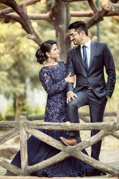 Wedding Photo Inspiration, Ideas, Style, Themes of Indian Wedding Pre Wedding Poses, Pre Wedding Photoshoot, Wedding Shoot, Wedding Couples, Wedding Bride, Wedding Pics, Indian Wedding Couple Photography, Couple Photography Poses, Food Photography