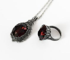 Burgundy Gothic Jewelry Set Necklace Earrings Ring by Aranwen, €164.00