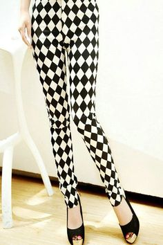Black White Diamond Print Leggings