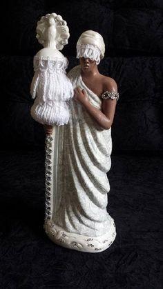 Imagem de Oxalá decoupagem em arabescos prata,pintada à mão, acabamento com franjas e cristais