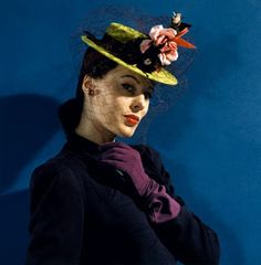 1941 --- Model in chartreuse felt hat with roses and hummingbirds, purple gloves, and purple veil and ribbons. vintage everyday: Extraordinary Color Fashion Photography Taken During the by John Rawlings 1940s Fashion, New Fashion, Fashion Vintage, Vintage Style, 1950 Style, Vintage Vogue, Vintage Clothing, Trendy Fashion, Fashion Models