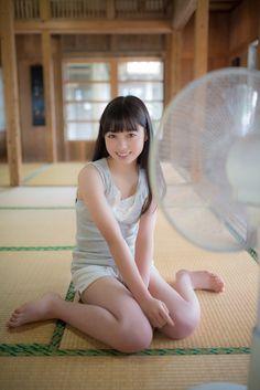 橋本環奈  i also sit in front of a big fan and love the feel of the air ~ dave.in.liverpool