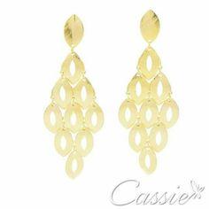 Brinco Foglia Crivellare folheado a ouro com acabamento fosco com garantia.  www.cassie.com.br   ╔═══════════════════╗ #Cassie #semijoias #acessórios #moda #fashion #estilo #inspiração #tendências #trends #brincos #brincoslindos #love #pulseirismo #blogger #folheado #dourado #brincoleque #brincoleve #colar #pulseiras #berloques #charms # # #