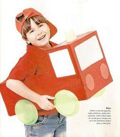 Caixa de papelão vira carro de bombeiro!