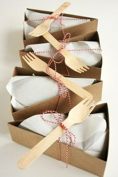 cute little lunch packages! i'd love to do this OR the traditional paper bag with a little sticker with our logo!