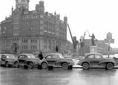 Morris Minors lined up for export in December 1949 in front of Neptune and the CWS building on Narrow Quay. Classic Trucks, Classic Cars, Uk History, Morris Minor, Learning To Drive, Weird And Wonderful, Lineup, Bristol, Jaguar