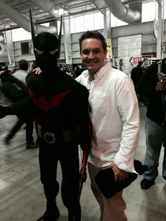 """"""" This guy has no idea he's taking a picture with the voice of Will Friedle at New York Comic Con I'm so glad that agoraphobia rumor isn't true. Will Friedle, Agoraphobia, Batman Beyond, Ian Somerhalder, The Voice, Take That, Guys, Entertaining, Fictional Characters"""