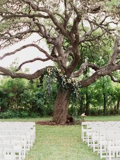 Photography : Michelle Boyd Photography Read More on SMP: http://www.stylemepretty.com/texas-weddings/kyle-tx/2016/07/29/lush-garden-wedding-in-kyle-texas/