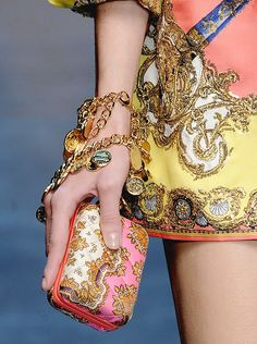 love the matching clutch to dress