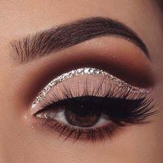 Gorgeous Makeup: Tips and Tricks With Eye Makeup and Eyeshadow – Makeup Design Ideas Black Eye Makeup, Dramatic Eye Makeup, Makeup Eye Looks, Beautiful Eye Makeup, Simple Eye Makeup, Eye Makeup Tips, Smokey Eye Makeup, Makeup Trends, Eyeshadow Makeup