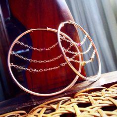 Argolas Nuvola: Prata 950 + Turmalinas. Trazem cor até para um domingo nublado! Tem na lojinha (www.cioccoatelier.com). Vai lá! Aproveita q é domingo!!!  #fattoamano #jewelrymaking #cioccomio #cioccolover #prata950 #turmalinas