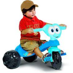 Triciclo Bandeirante Zootico Golfinho, um companheiro na diversão da criançada.