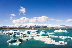 South Iceland must visit places - Jokulsarlon Glacier lagoon and crystal beach // Iceland trip planning made easy with TripCreator.com | Life With a View