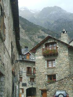 Villanova, Huesca, España.