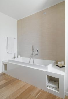 Am House by Sanson Architetti bathroom design interior design decorating Modern Bathroom Design, Bathroom Interior Design, Bathroom Designs, Interior Modern, Minimalist Interior, Kitchen Interior, Bathroom Ideas, Bad Inspiration, Bathroom Inspiration