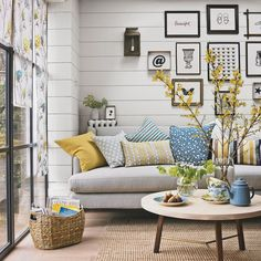 Living room with wooden floorboards and sisal rug | Easy flooring ideas | Flooring | PHOTO GALLERY | Housetohome.co.uk