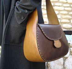 LEATHER HANDMADE BAG / Bag / Leather Bag / Handbag / Leather Handbag / Shoulder Bag / Bandolier Bag / Pouch / Brown and Nature Leather Bag.