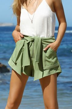 Summer is the season of the skort girls, so be a part of it. Change the game in our FROLIC SHORTS , they are perfect throw on and go piece . Spring Summer 2018, Summer Sale, Dresses For Sale, Nice Dresses, Fashion Books, Summer Shorts, Skort, Casual Shorts, Cute Outfits