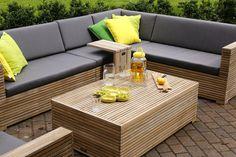 Lounge tafel met smalle latjes van teakhout