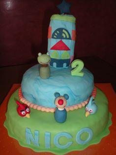 Los juegos que más le gustan a Nico, hechos en tarta y en figuritas fondant!