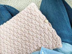 The Blanket Shrug - Free Crochet Pattern - Jewels and Jones Crochet Throw Pattern, Easy Crochet Blanket, Crochet Patterns, Shrug Pattern, Free Pattern, Crochet Pillow, Crochet Ideas, Chunky Crochet Scarf, Crochet Headband Free