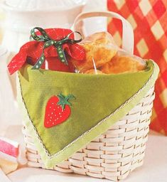 Cute strawberry towel basket liner pattern @gooseberrypatch