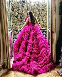 Stay classy and love fashion Covet Fashion, Gypsy Fashion, Ny Fashion, Beautiful Dresses, Nice Dresses, Prom Dresses, Formal Dresses, Wedding Dresses, Gorgeous Dress