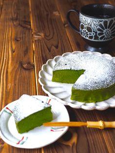 抹茶お豆腐ケーキ by きゃらきゃら(小林睦美) 混ぜるだけで超簡単!! お豆腐を使った、ヘルシーな抹茶ケーキです。