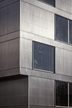 dinelljohansson: storstadshamn Aluminium Facade, Metal Facade, Metal Buildings, Facade Architecture, Beautiful Architecture, Architectural Materials, Glass Facades, Building Facade, Grand Designs