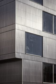 dinelljohansson: storstadshamn Facade Architecture, Beautiful Architecture, Aluminium Facade, Steel Cladding, Architectural Materials, Building Facade, Steel Buildings, Grand Designs, Facade Design