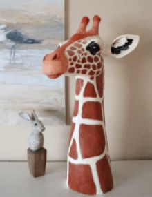 This paper mache tutorial shows you how to make a large giraffe. This post was written by Lezlei Young, who made the giraffe for Vacation Bible School. Paper Mache Projects, Paper Mache Crafts, Clay Projects, Clay Crafts, Paper Mache Paste, Paper Mache Clay, Paper Mache Sculpture, Paper Mache Flowers, Making Paper Mache